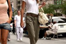 Excellent outfit with white t-shirt, belted trousers and platform sandals