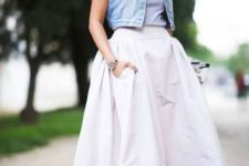 Gorgeous look with midi skirt, and pumps