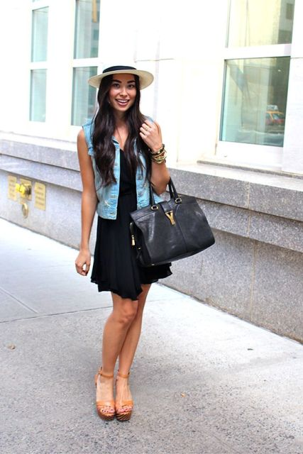Look with black dress, vest and platform sandals
