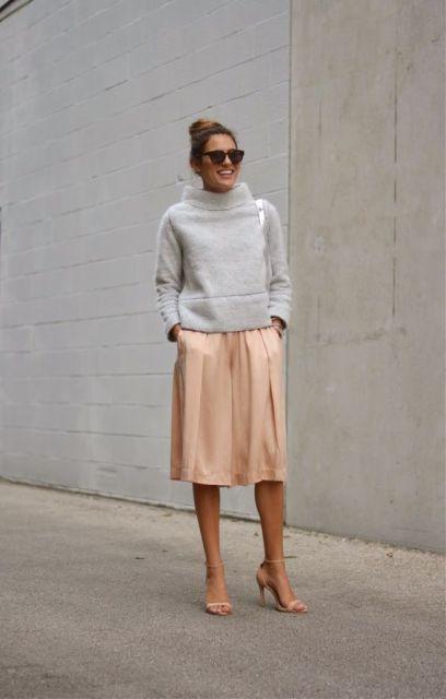 Look with midi skirt and sweatshirt