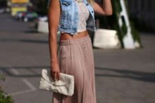 Maxi skirt, crop top and short denim vest