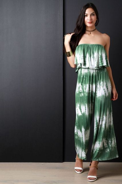 45e93c0e273 Original green and white jumpsuit with sandals and bracelet