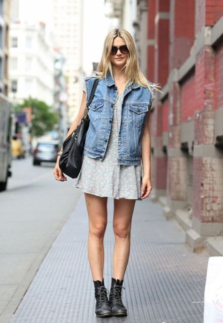 Outfit with loose dress and oversized denim vest