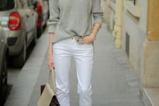 Outfit with loose shirt and white pants