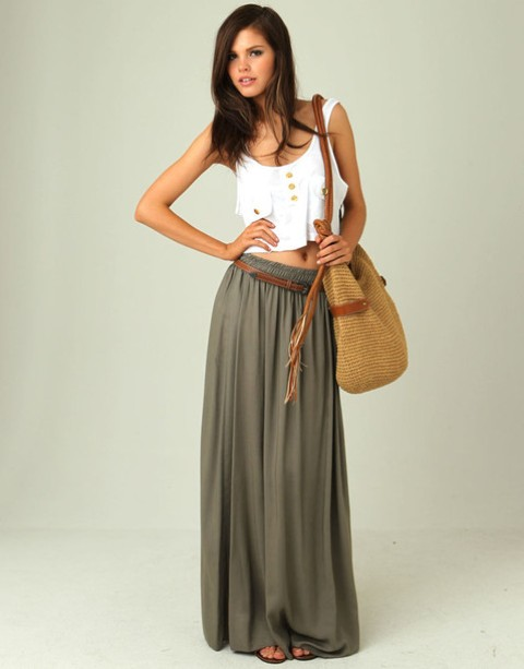 Outfit with maxi skirt and crop top