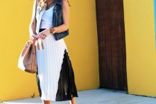 Outfit with original pleated skirt