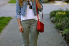 Outfit with trousers, denim jacket and mini bag