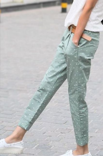 Pastel color cuffed pants with polka dot prints