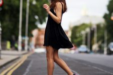 Sporty look with black dress and sneakers