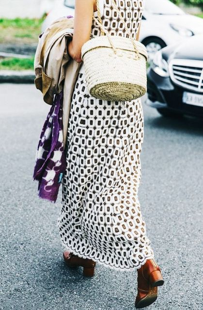 21 Relaxed Outfit Ideas With Straw Bags