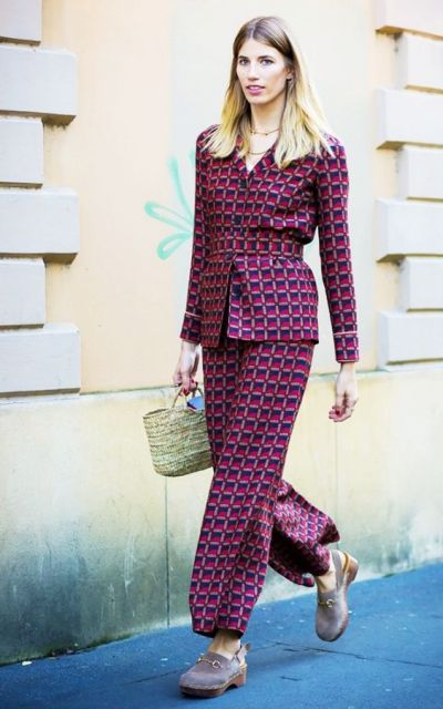 Trendy suit with mini straw bag