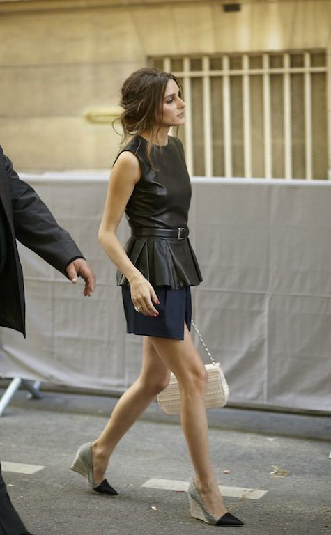 WIth skirt and chic platform shoes