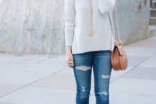 04 a grey sweater, jeans, cognac booties and a bag, gold accessories