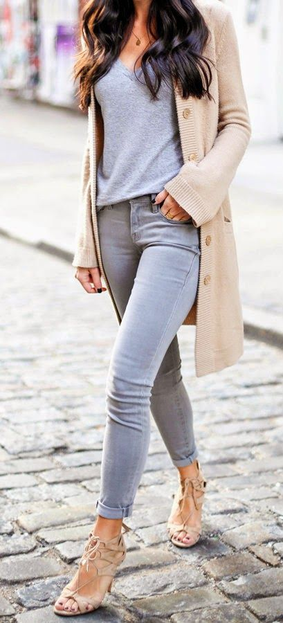 08 grey jeans, a grey tee, a nude cardigan and heels