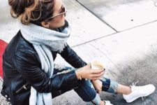 08 jeans, a leather jacket, white sneaks, grey scarf