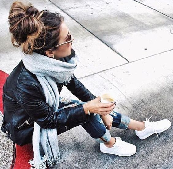 jeans, a leather jacket, white sneaks, grey scarf