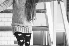 15 printed leggings, a sweater and fur boots