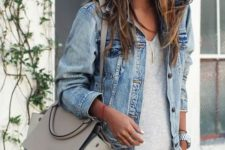 15 white jeans, a grey tee and a cropped denim jacket