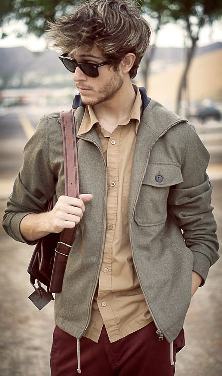 grey jacket, an ocher shirt and oxblood trousers for retro chic