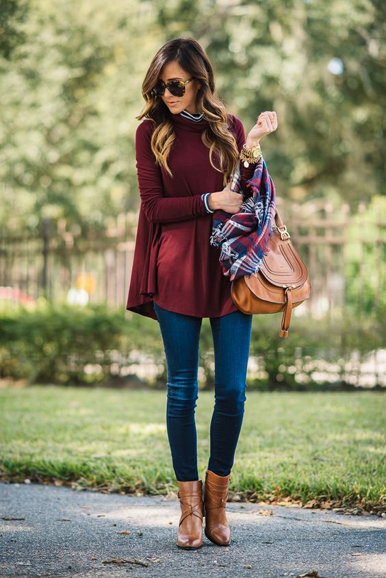 swing turtleneck, blue jeans, cognac boots