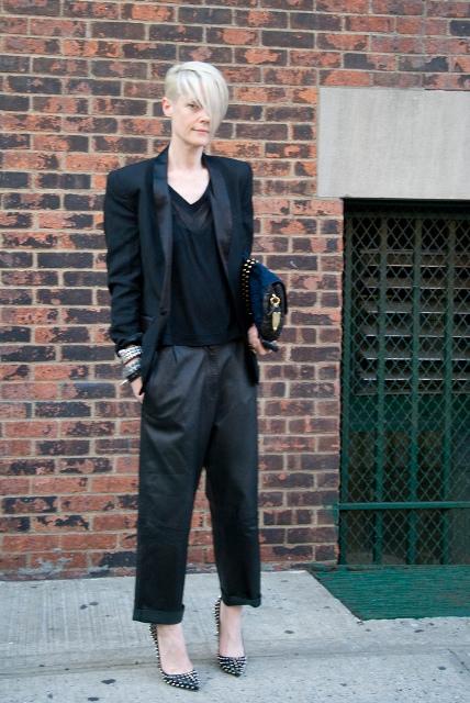 Classic long blazer and cuffed pants