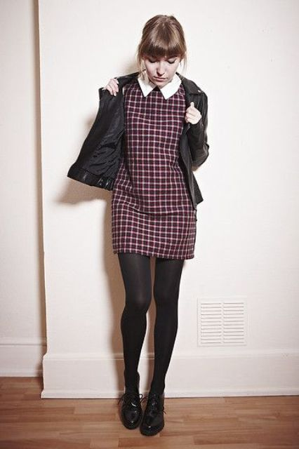 Dress with Peter Pan collar and black tights