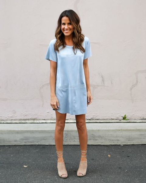 Light blue loose dress with neutral lace up shoes