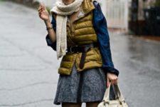 With blue shirt, gray skirt and white big bag