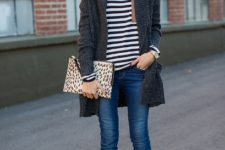 With long cardigan, nude pumps and printed clutch