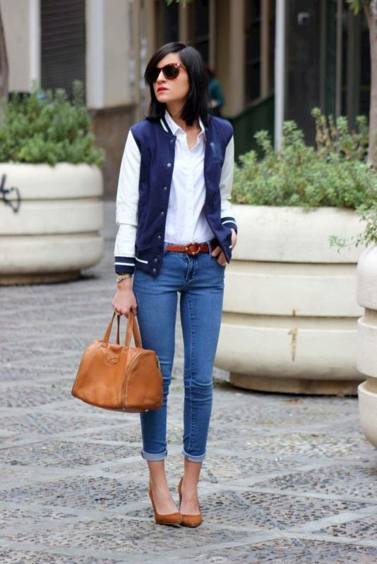 With white classic shirt, cuffed jeans and brown pumps