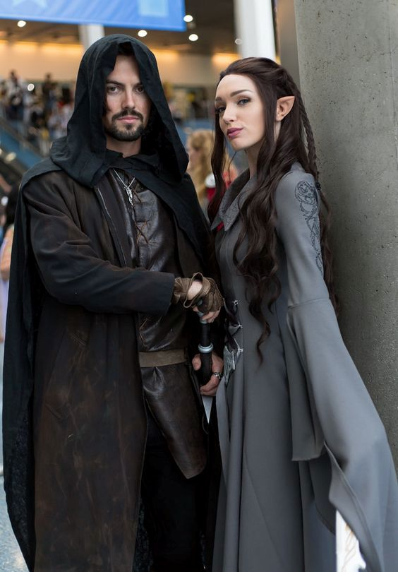 Aragorn and Arwen Undomiel couple look for geeks