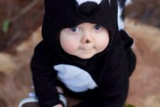 04 baby skunk costume for the smallest kid