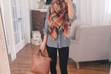 04 black leggings, a grey shirt, brown suede lace up flats