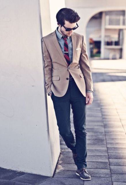 color blocking with neutrals (light brown and blue) is perfect for the fall