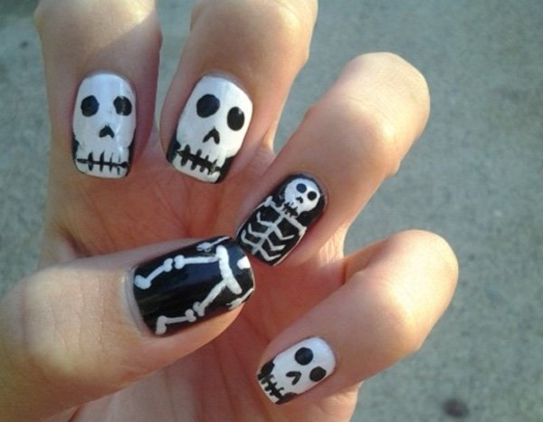 French nails with skeletons