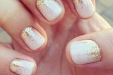 07 white nails with gold glitter