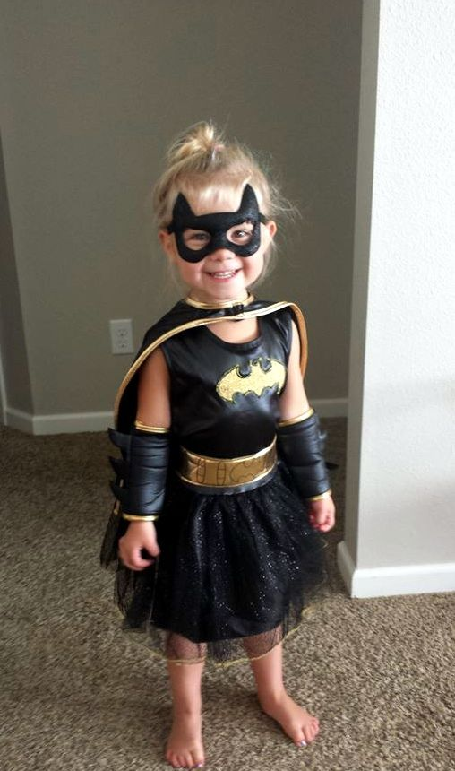 bat girl cotume with a mask