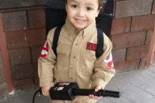09 DIY this ghostbuster costume and excite your son