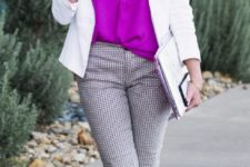 09 cropped printed pants, fuchsia shoes and top, a white blazer