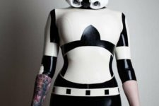 10 lady Stormtrooper look with a mask