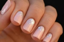 15 glitter gradient manicure
