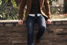 15 jeans, a black sweater, an ocher jacket and shoes