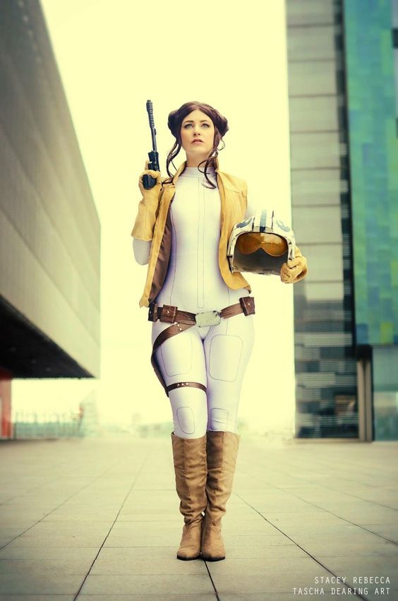 Picture Of Sexy Princess Leia Cosplay