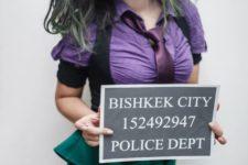 16 Joker girl costume with a chracteristic makeup