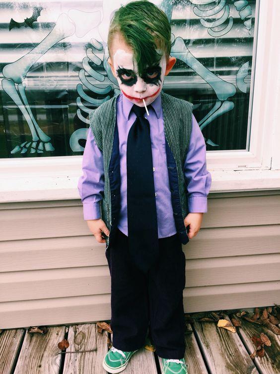 Joker costume is a gorgeous idea for comics fans