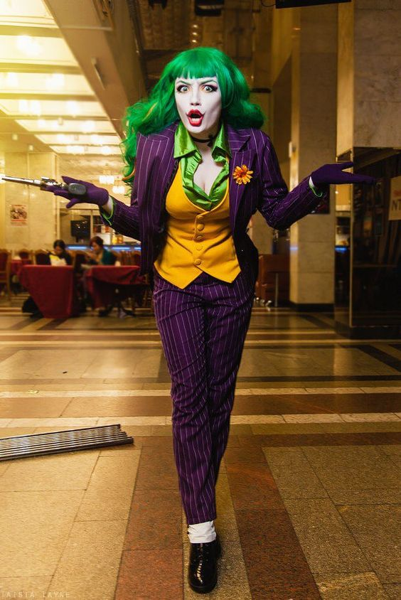 Joker lady costume with makeup