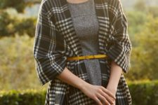 19 tweed grey dress and a checked black and white scarf