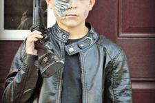 20 let your son feel cool with this Terminator costume