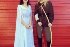 21 Arwen and Legolas couple look for Halloween