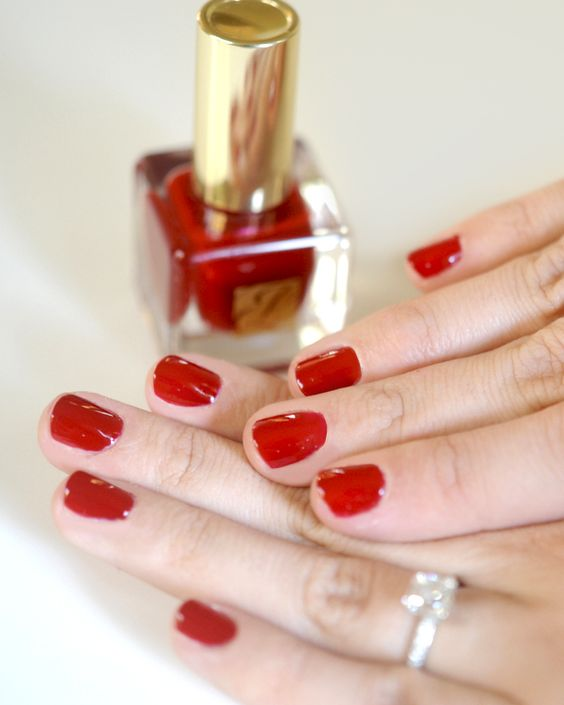 hot red nails are classics